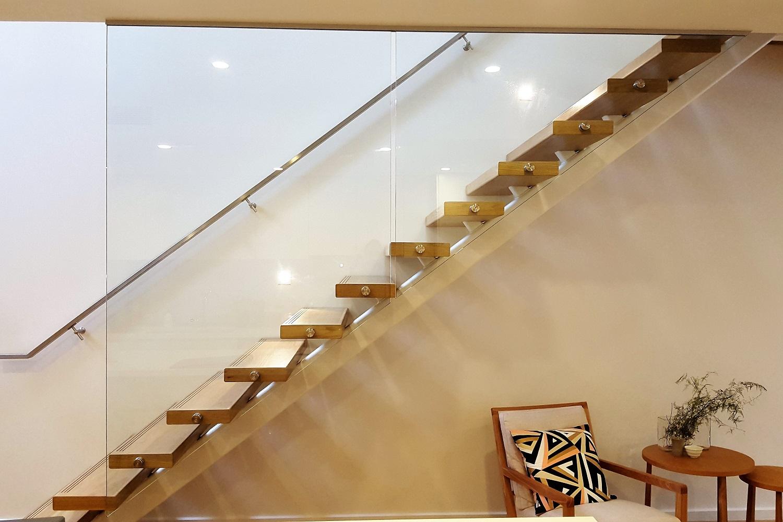 GA series glass balustrade wall - Brighton 2 (1500x1000).jpg