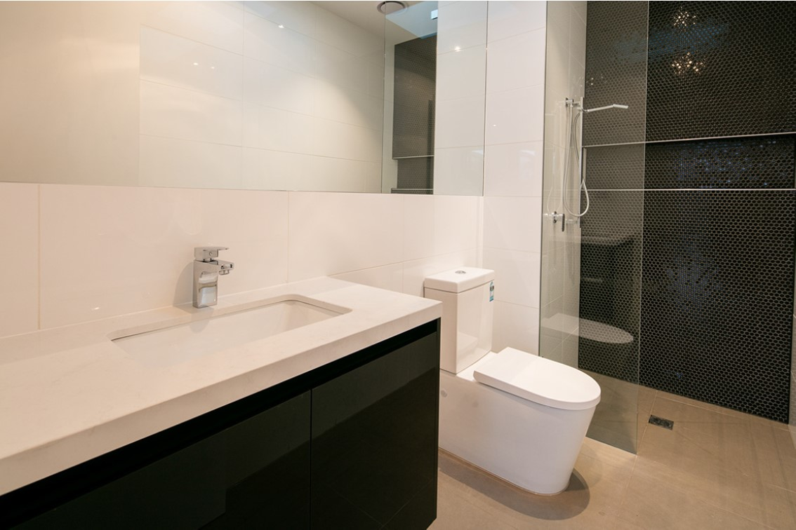riversdale rd showerscreens 2.jpg