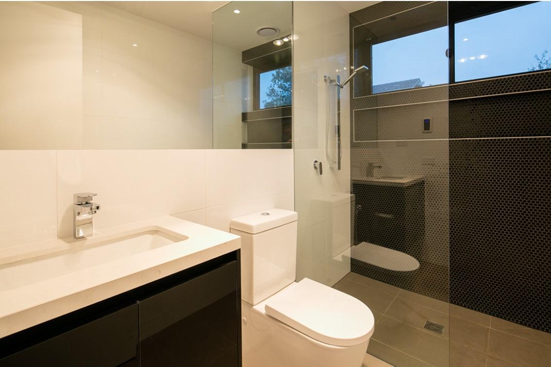 riversdale rd showerscreens 4.jpg