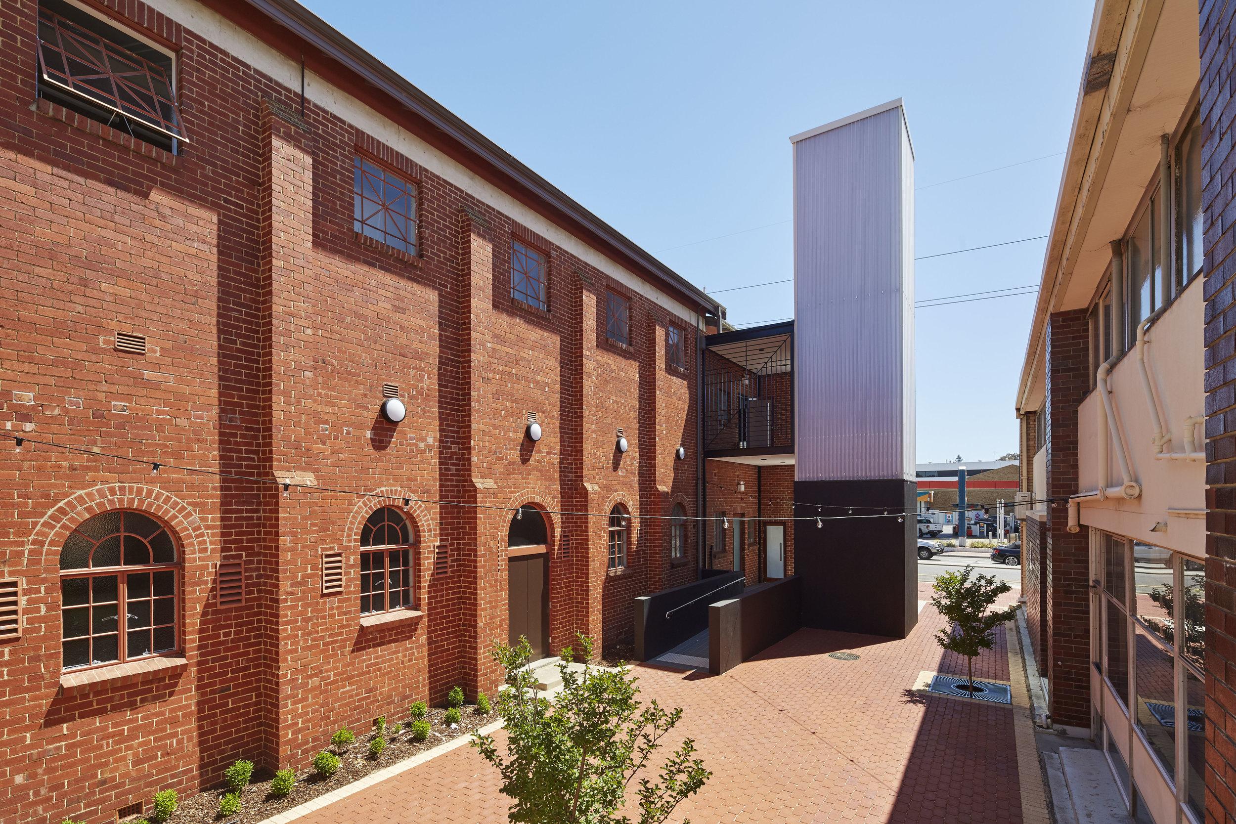 Lee Syminton IQX UWA | Masonic Hall Exterior