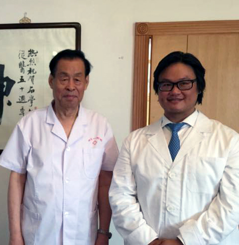 Clayton-with-Dr-Shi-Xue-Min-sml.jpg