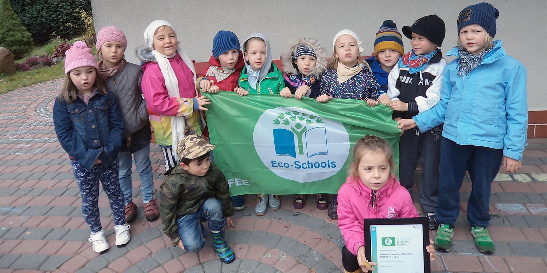 EKOLUDEK_Niepubliczne_przedszkole_ekologiczne_Lodz_Zielona_flaga.jpg