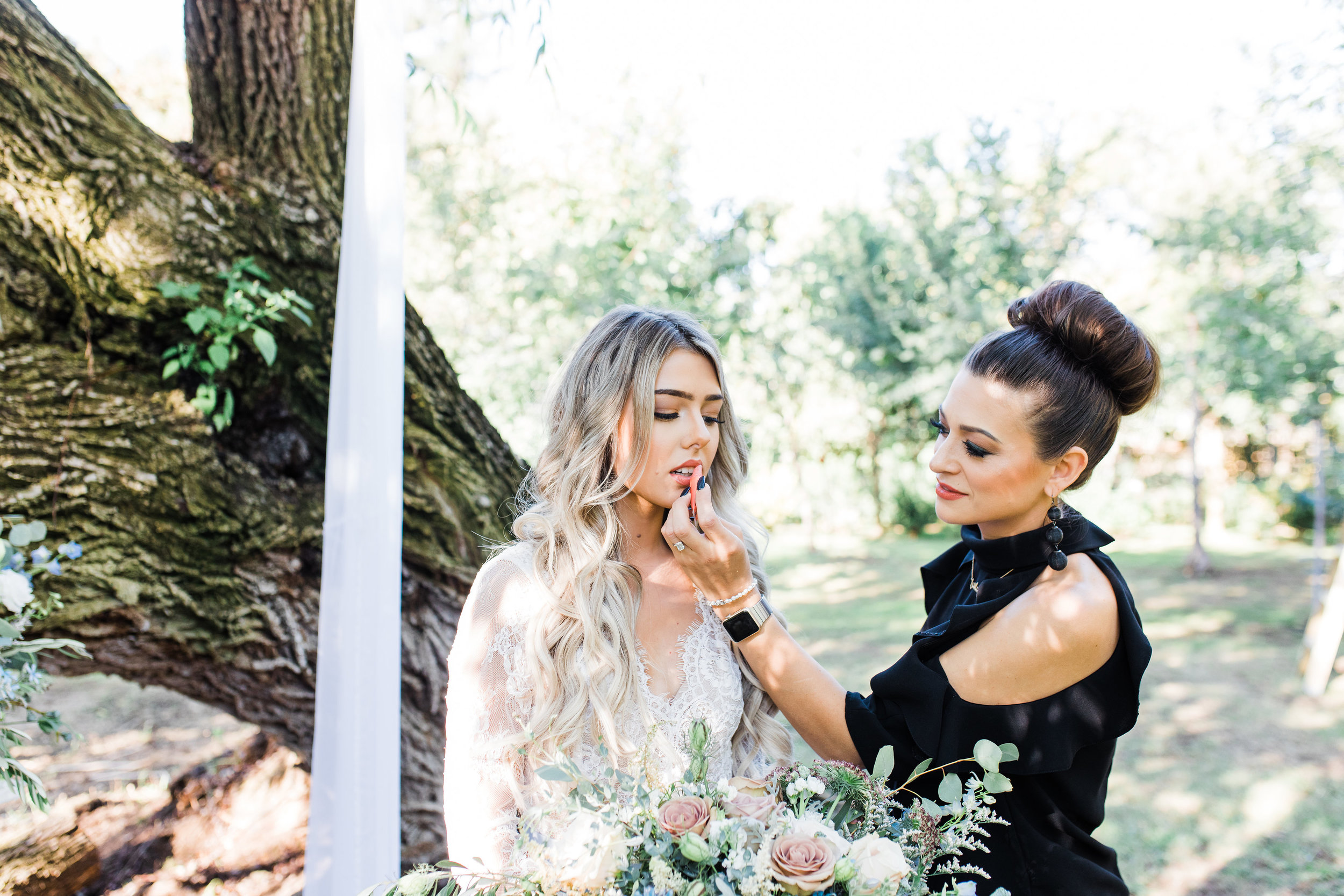 Beauty should be good for you — even on your wedding day.  At least this is what  we believe   you  deserve.  If you plan on eating a healthy meal on your wedding day, then why should safe cosmetics get a day off?  Clean, beautiful makeup not only looks amazing in photos, but is undetectable in person.  My favorite example of this look is Meghan Markle.