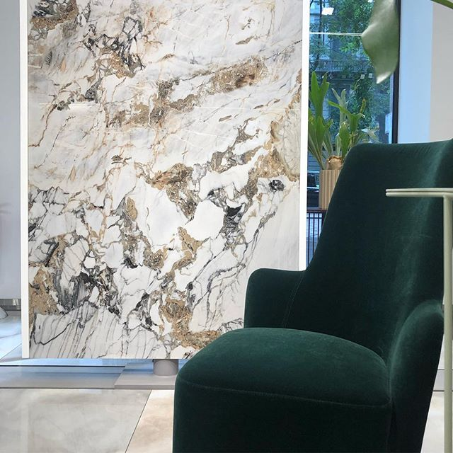 Takk for en veldig inspirerende tur til Milano @norfloor_fredrikstad ! Mye fint både av fliser, baderomsmøbler og blandebatteri! Se lagret story for flere bilder! 👆 @gessi_official @arbi_arredobagno @florim_ceramiche #milano#florimceramiche#interiørarkitekt#interiørarkitektur