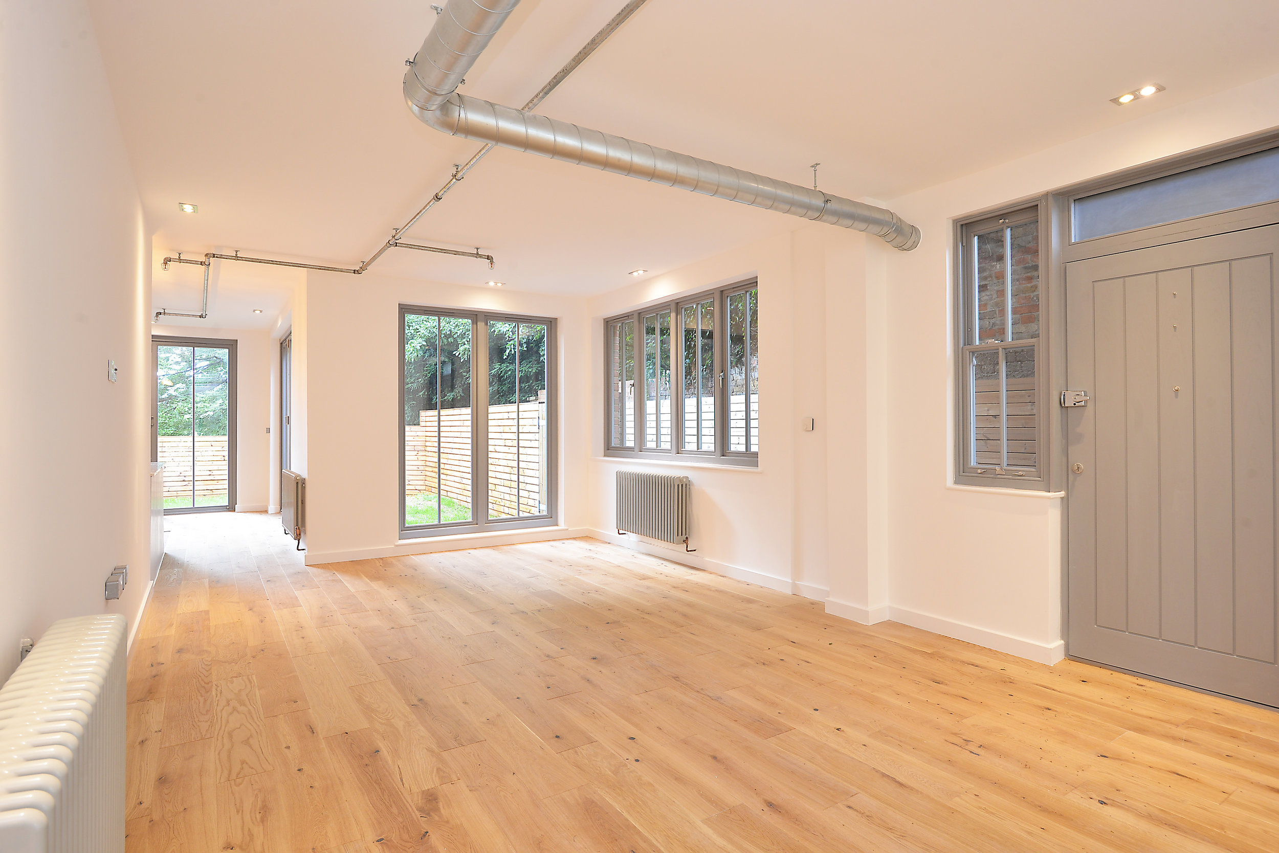 1 HYACINTH HOUSE, SYDENHAM HILL - A 2 bedroom apartment based in the leafy suburbs of Sydenham Hill, London.