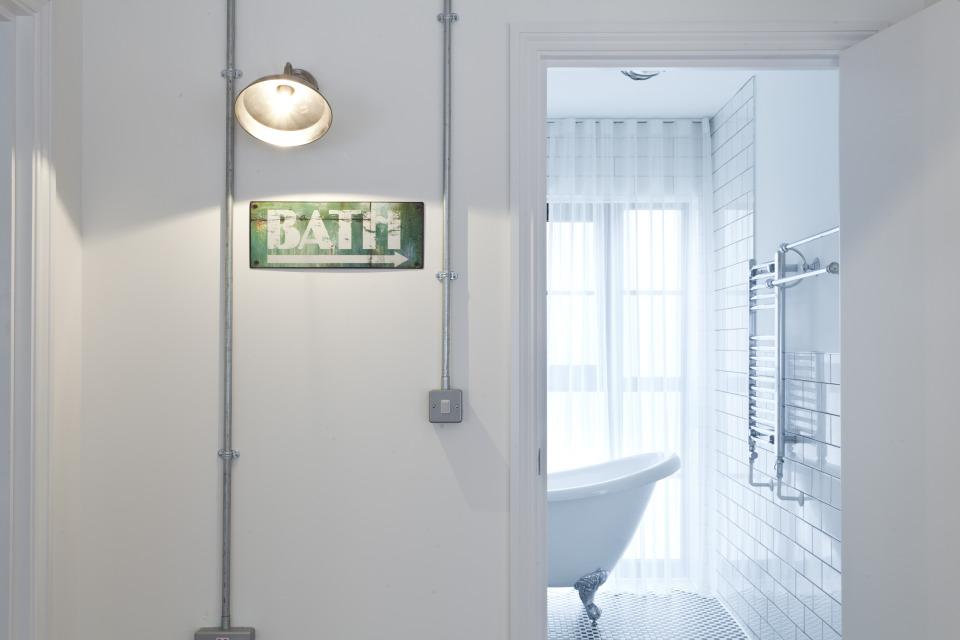 JAM BATH OUT.jpg