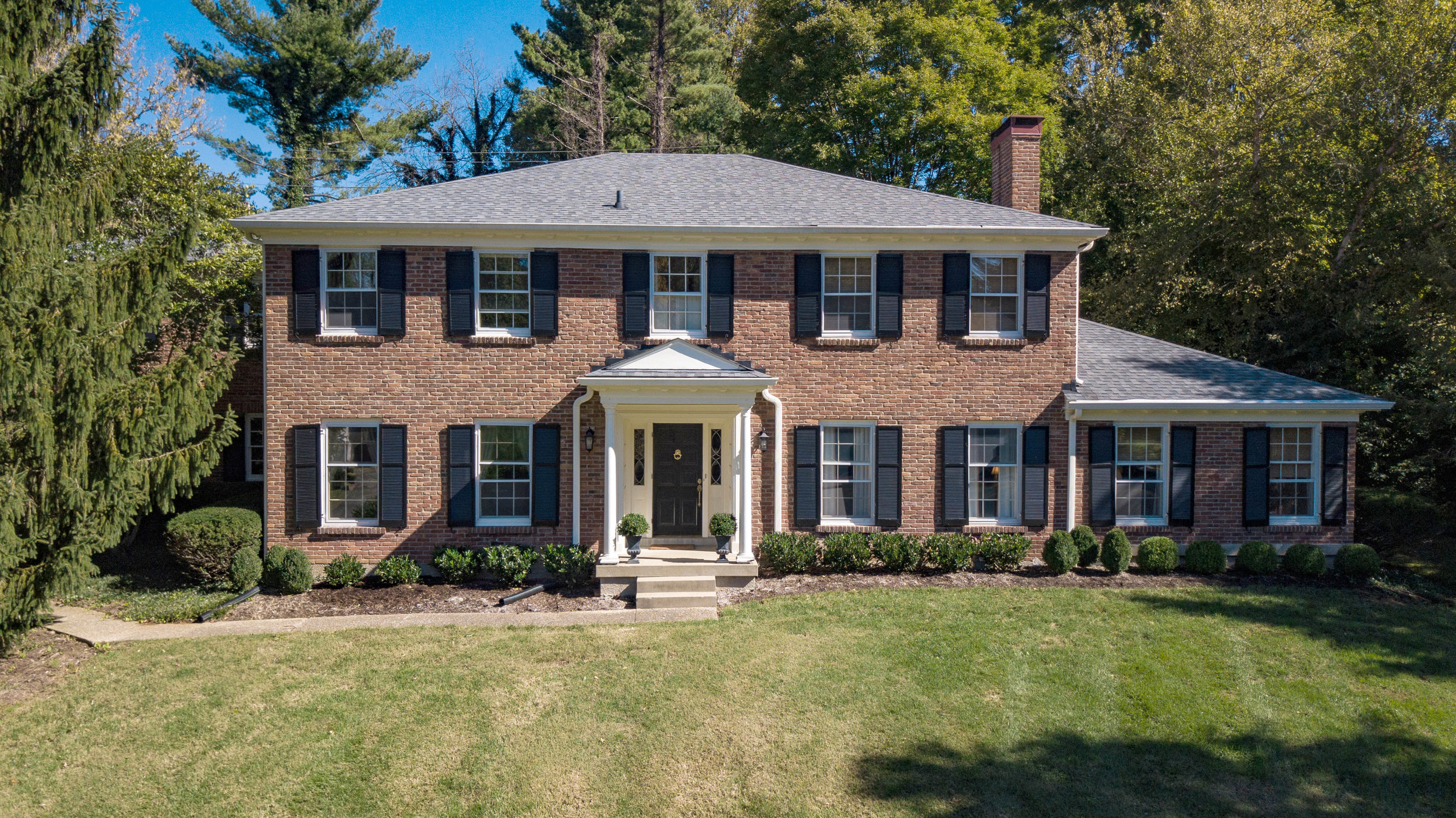 FOR SALE: 155 TOTEM ROAD INDIAN HILLS LOUISVILLE KY