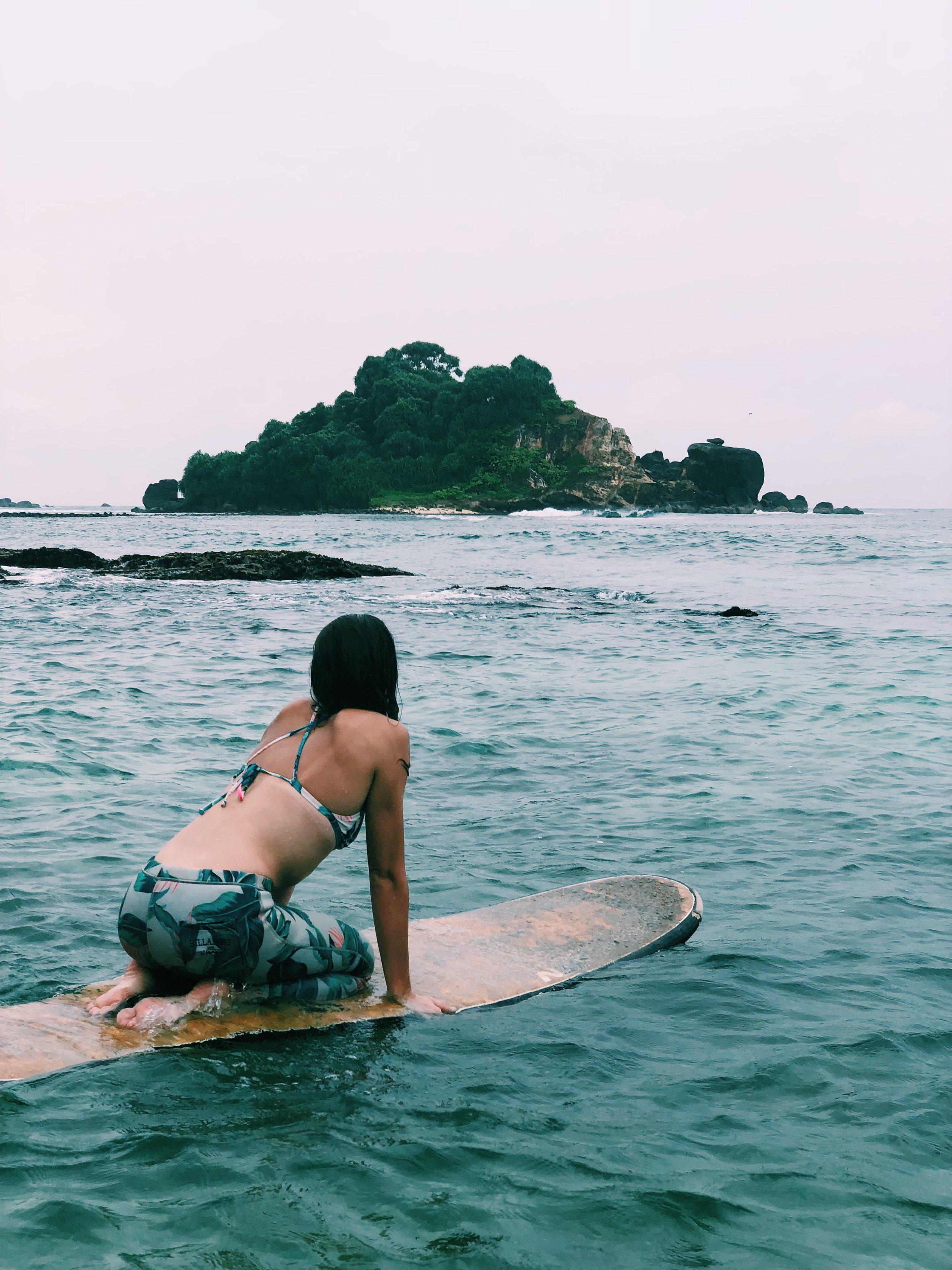 Surf-Sri-Lanka-Travel