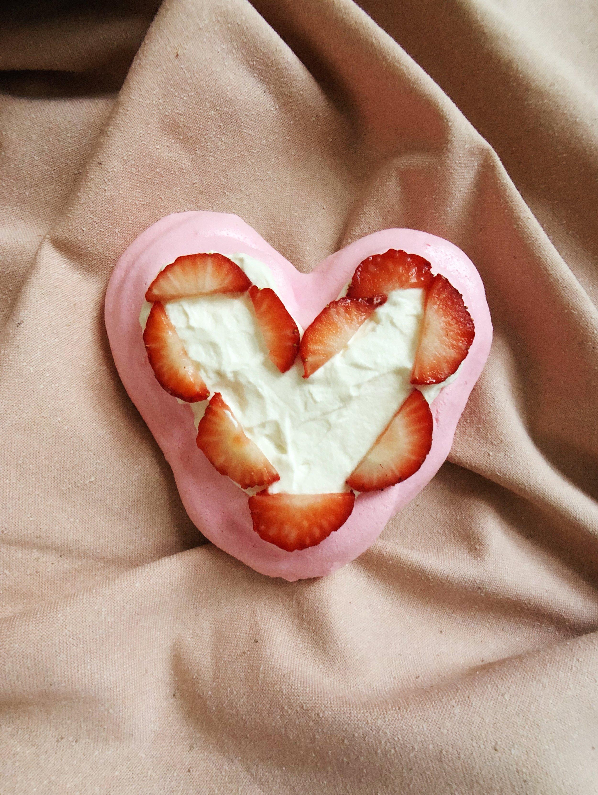 Heart-pavlova-dessert-valentine's-day-pink-baking-recipe-food
