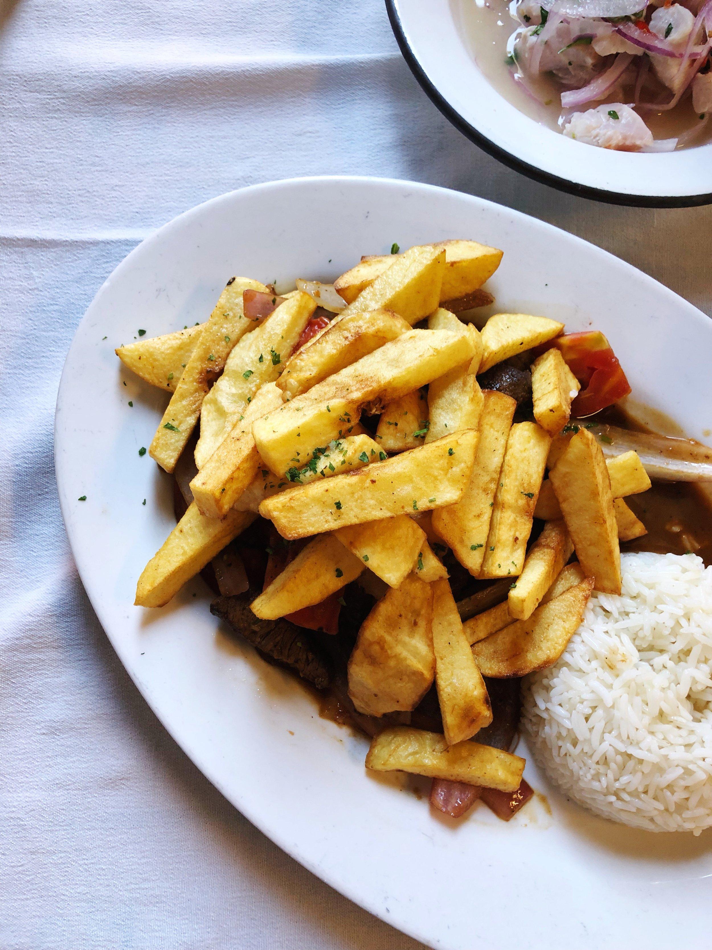 lomo saltado - peru-lima-barranco-canta rana - lunch
