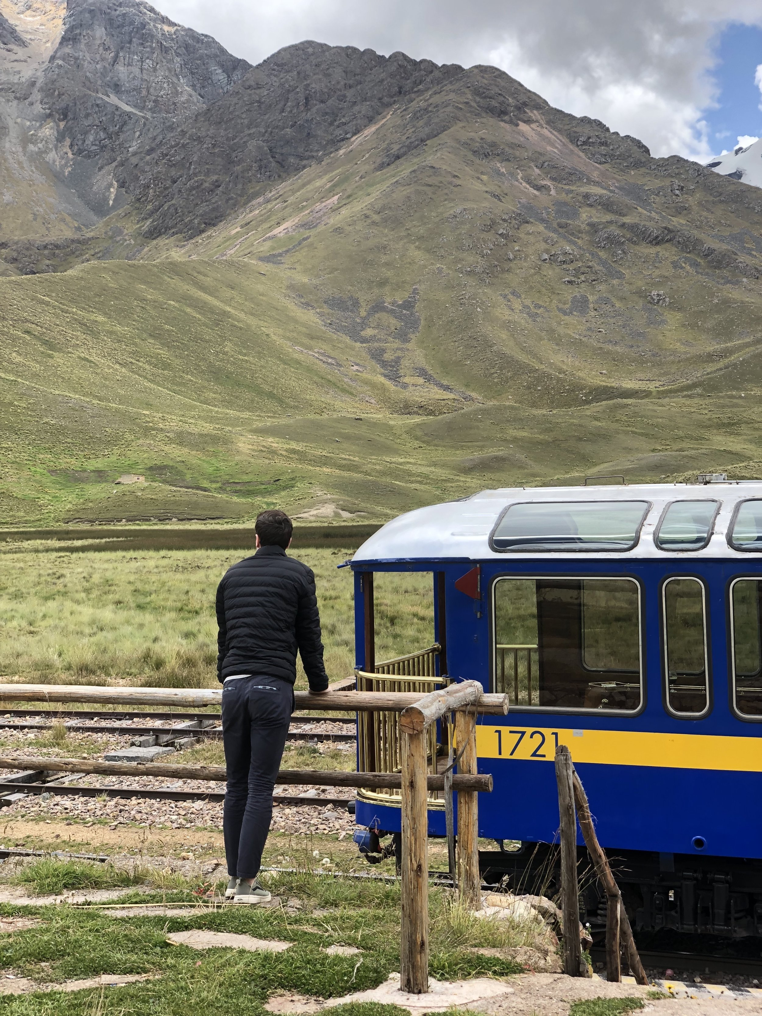 Perurail-puno-cusco-peru-train-southamerica-views