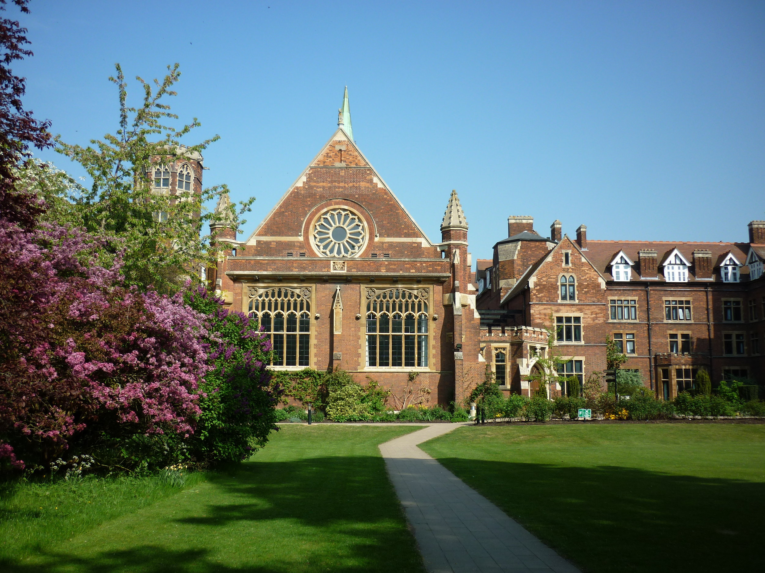 The_Cavendish_Building_of_Homerton_College_Cambridge,_May_2011.jpg