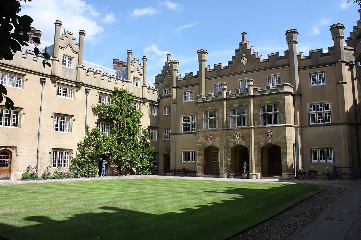 Sidney_Sussex_College,_Cambridge,_July_2010_(04).JPG