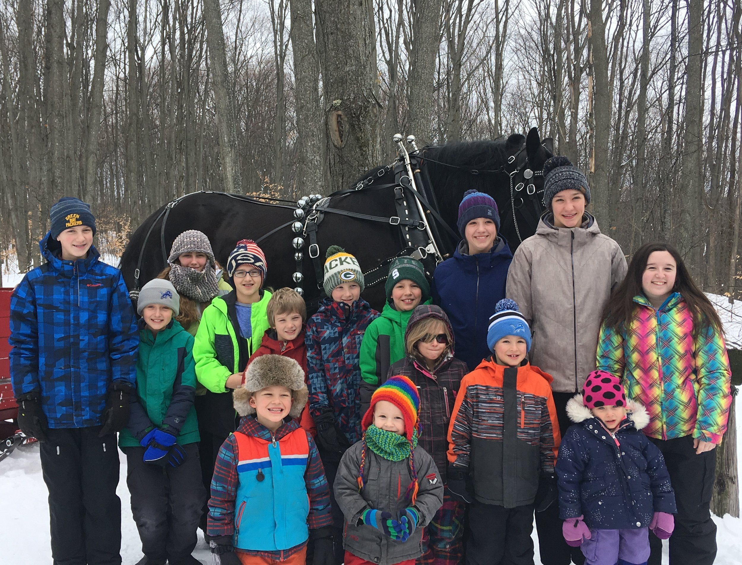 Sleigh ride 2019 - A big thank you to Tom Cyr (Black Horse Farm) for giving our youth group a memorable winter sleigh ride.
