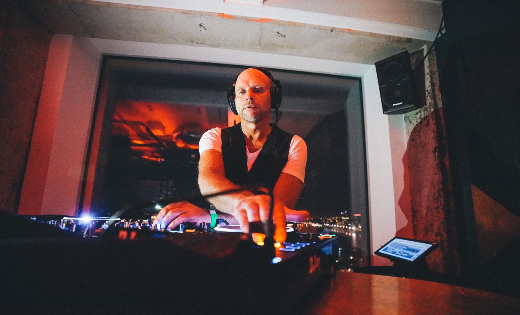 Dirk Schot - DJ