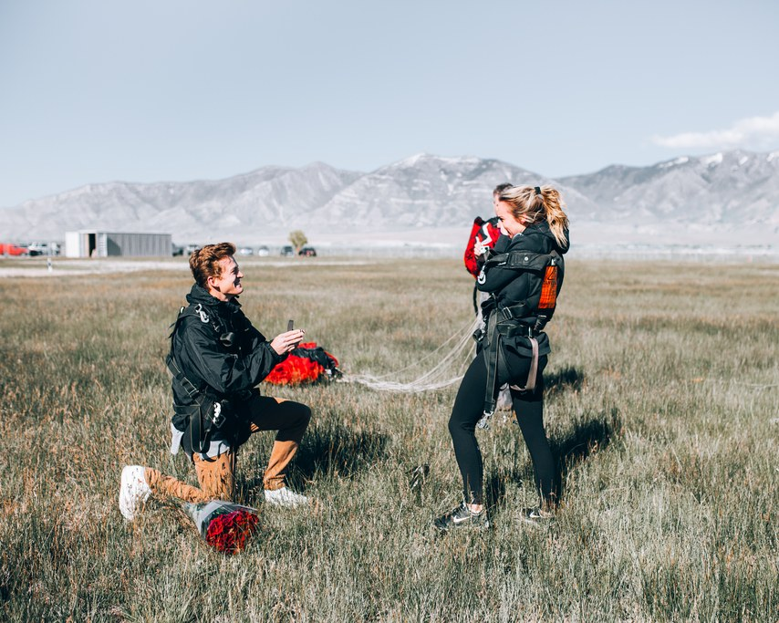 Source:    Duke Moose    Extreme adrenaline lovers will absolutely adore a skydiving proposal. Whether you are in the air, just keep the ring handy, or down on the ground afterwards on one knee, ready to accept her hand in marriage, this proposal will blow your lovers' mind.