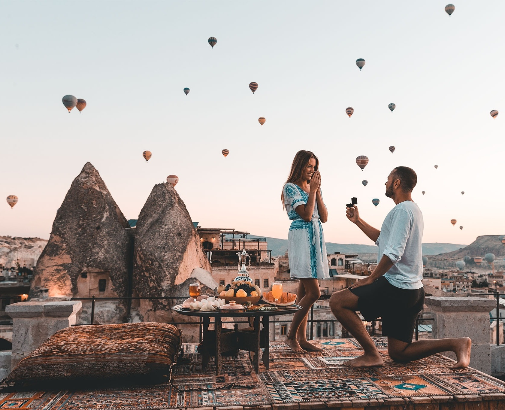 Source: Chris and Jen Likins Photography  An alternative way to go is taking your partner on a getaway, Turkey for instance, and proposing to them during the lift off of a million hot air balloons. Talk about the ideal surroundings.  Location: Turkey,Cappadocia.