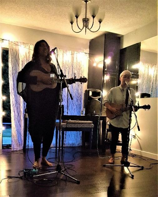 Desirée Dawson with fellow ukuleleist Jody Okabe - performing at McArthur Castle