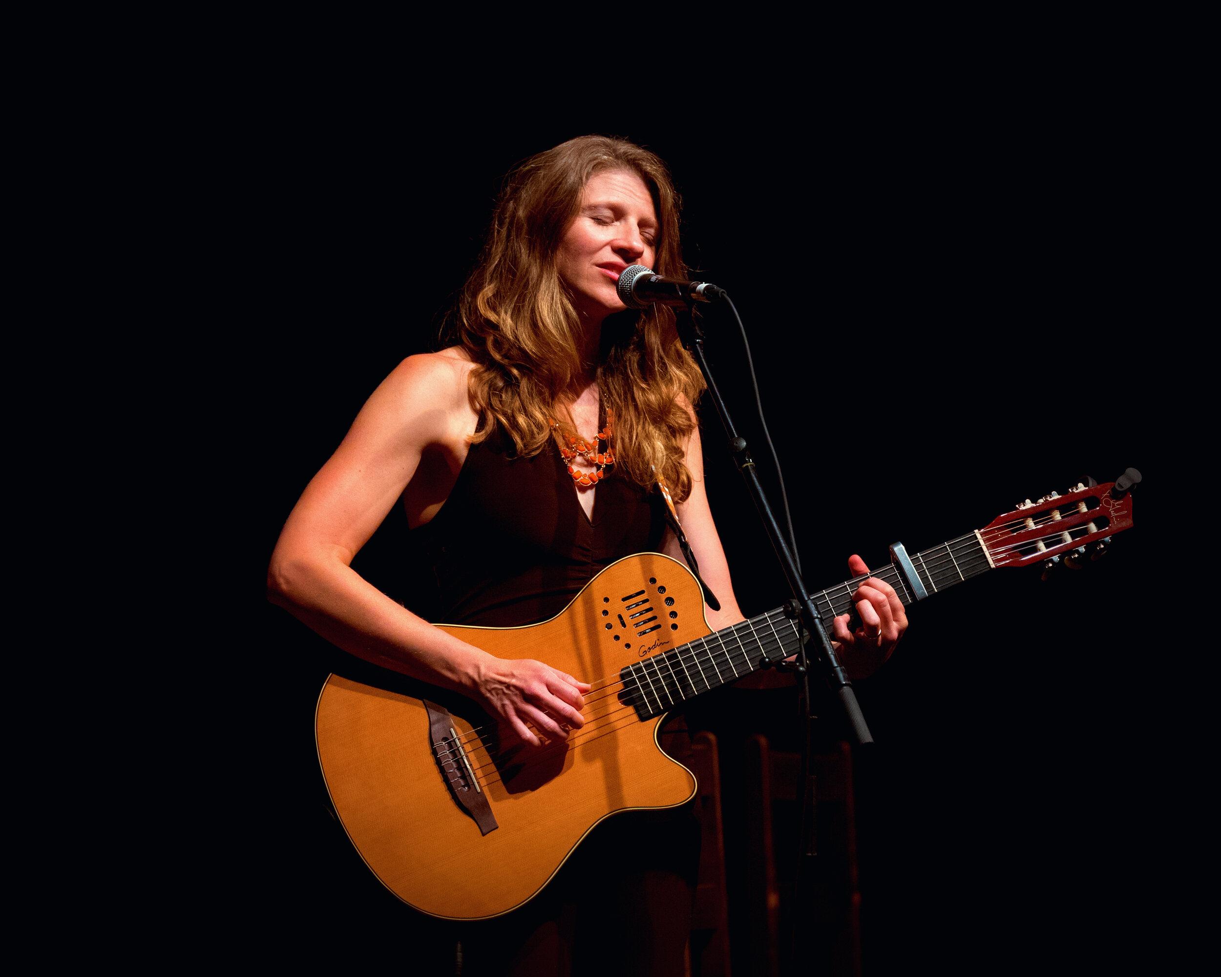 Terra Spencer guitar at Deep Roots - credit Mark Davidson.jpg