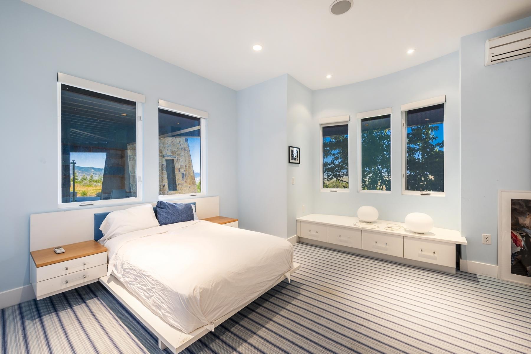 28. Bedroom-Three_1800x1200_3340210.jpg