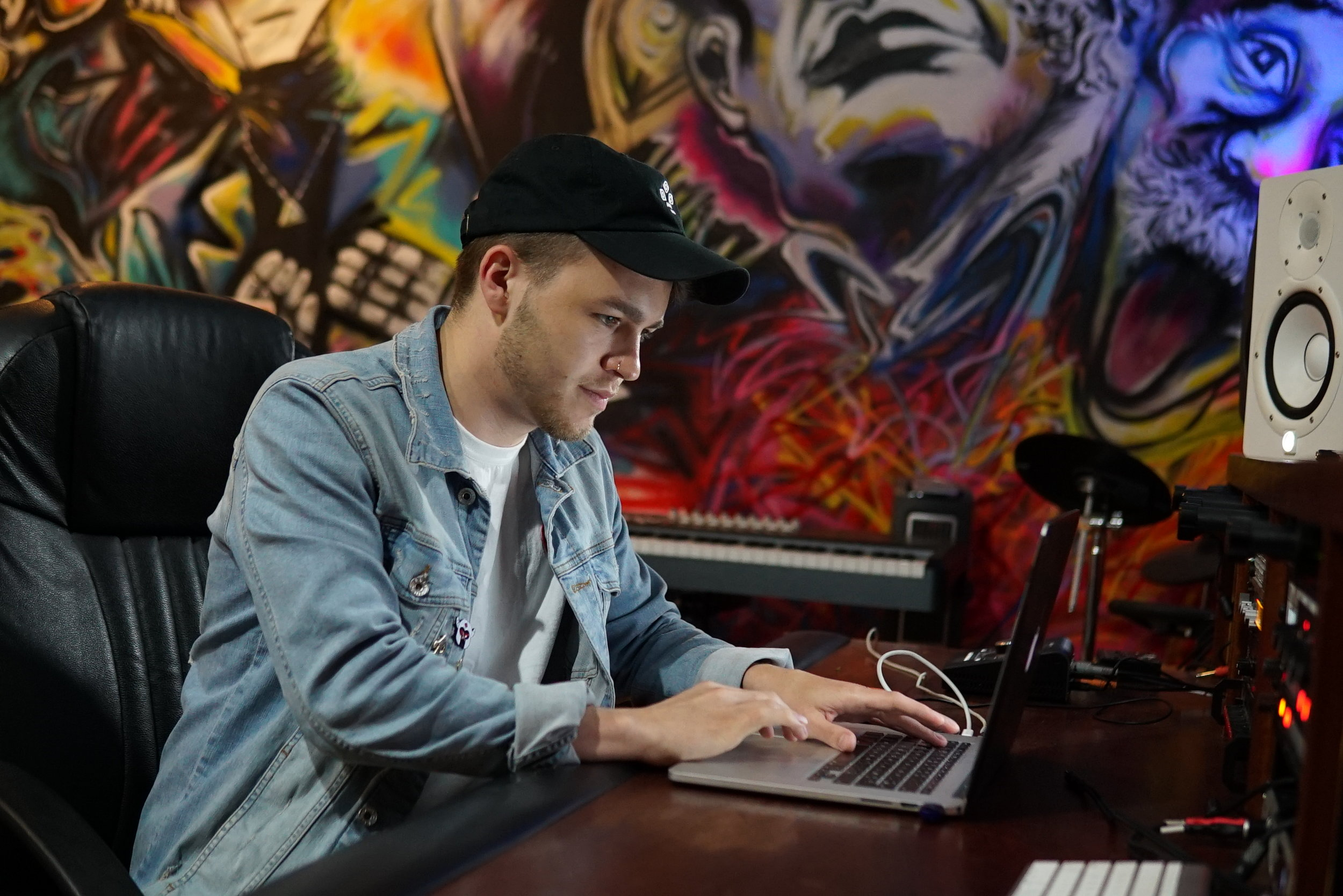Dubstep producer Eptic using our studio space.