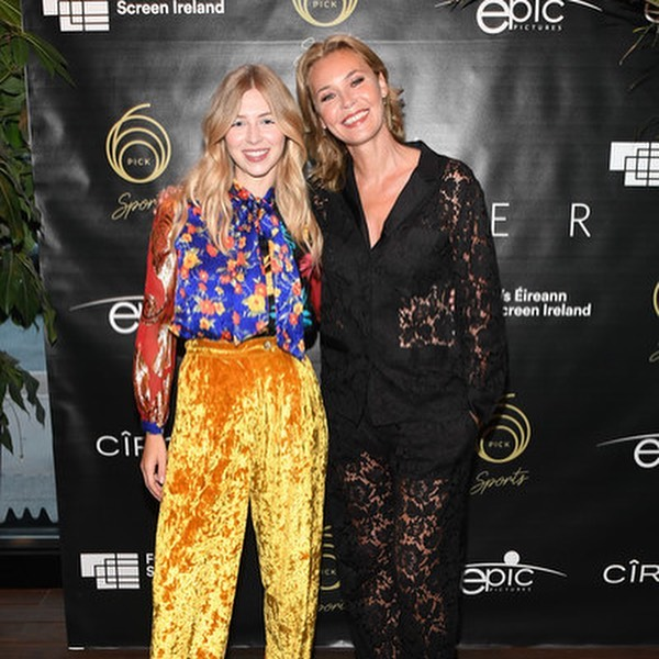 It was only last week, but we're already missing #TIFF2019! 🎬 A look back at when we hosted the premiere party for Sea Fever. The cast, including @cn_connienielsen and @hermioniecorfield, dropped by to celebrate the film's world premiere. 🎥#FlashbackFriday #Pick6ixSports⠀ .⠀ .⠀ .⠀ .⠀ .⠀ #SeaFever #SeaFeverMovie #ConnieNielsen #HermioneCorfield #TorontoInternationalFilmFestival #FilmFestival #WorldPremiere #sportsbar #toronto #the6ix #food #foodie #instafood #eat #financialdistrict #canada #toronto#TOfoodie #TOEats