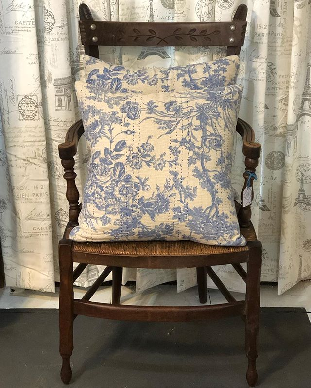 """We are totally smitten with these new throws and pillows! Pillows available in 18"""" square and 32"""" boudoir, throws are 60""""x50"""". #pierceandbelle #pillows #throws #toile #homedecor #homeaccessories #thewoodlands #oldtownspring #houstontx #houstondesign #conroetx #shopsmall #shoplocal #shopsmallbusiness #newtotheshop"""
