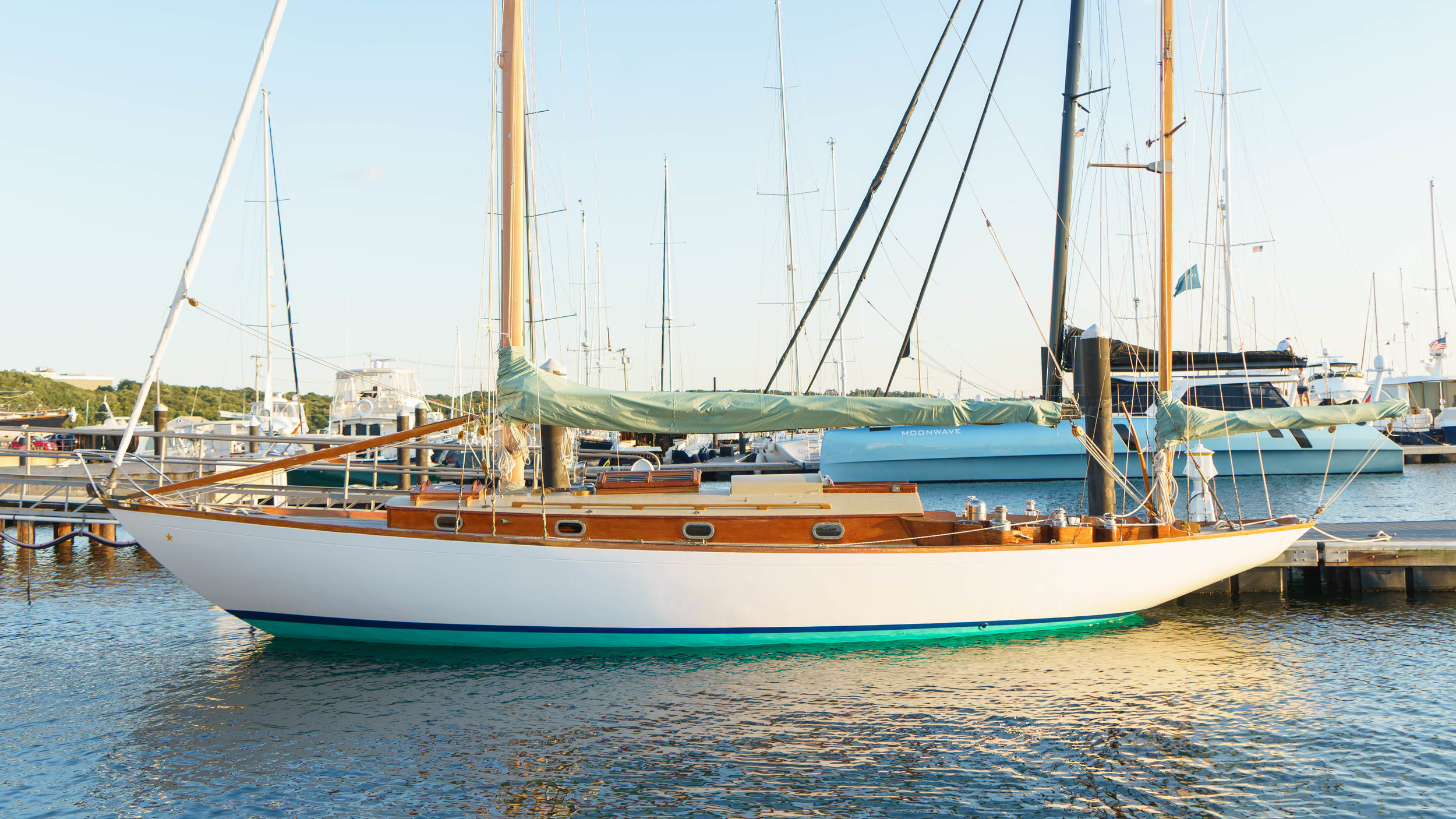 Mr. Badger & Co. - Sailing Charters Newport and Jamestown