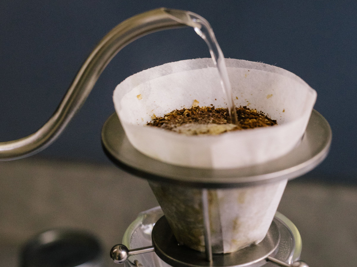 pour-over-coffee-water-temperature-sun-0817_0.jpg