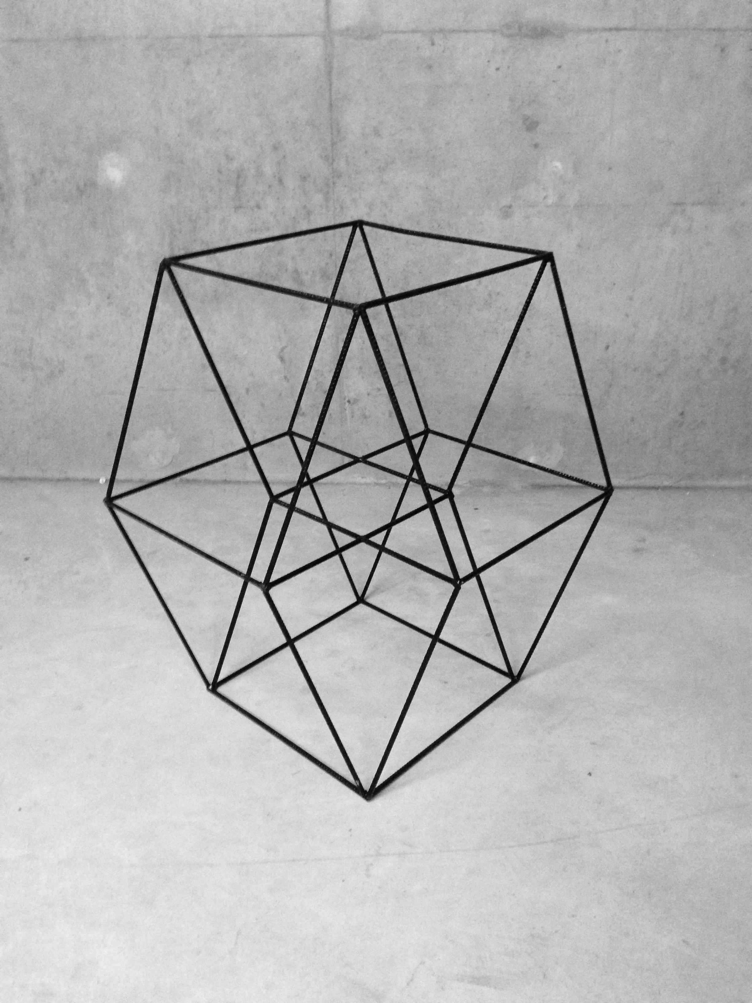Tesseract #1 - Structure métallique105 x 71 x 95 cm2012