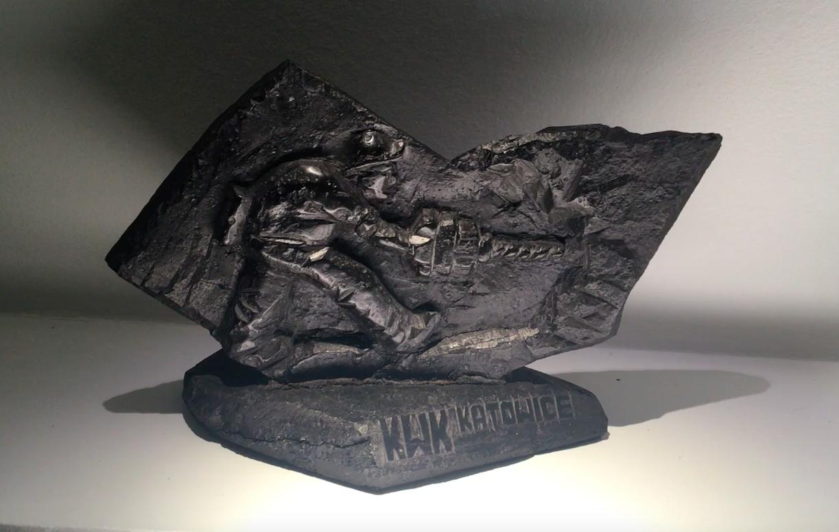 Une sculpture fait de charbon, Musée de la Silésie, Katowice (Aleksander Filipek, artiste).