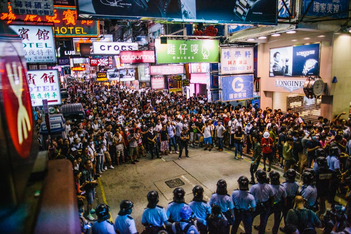 14.10.17 - Hong Kong: Protestors and police face-off in Mong Kok.