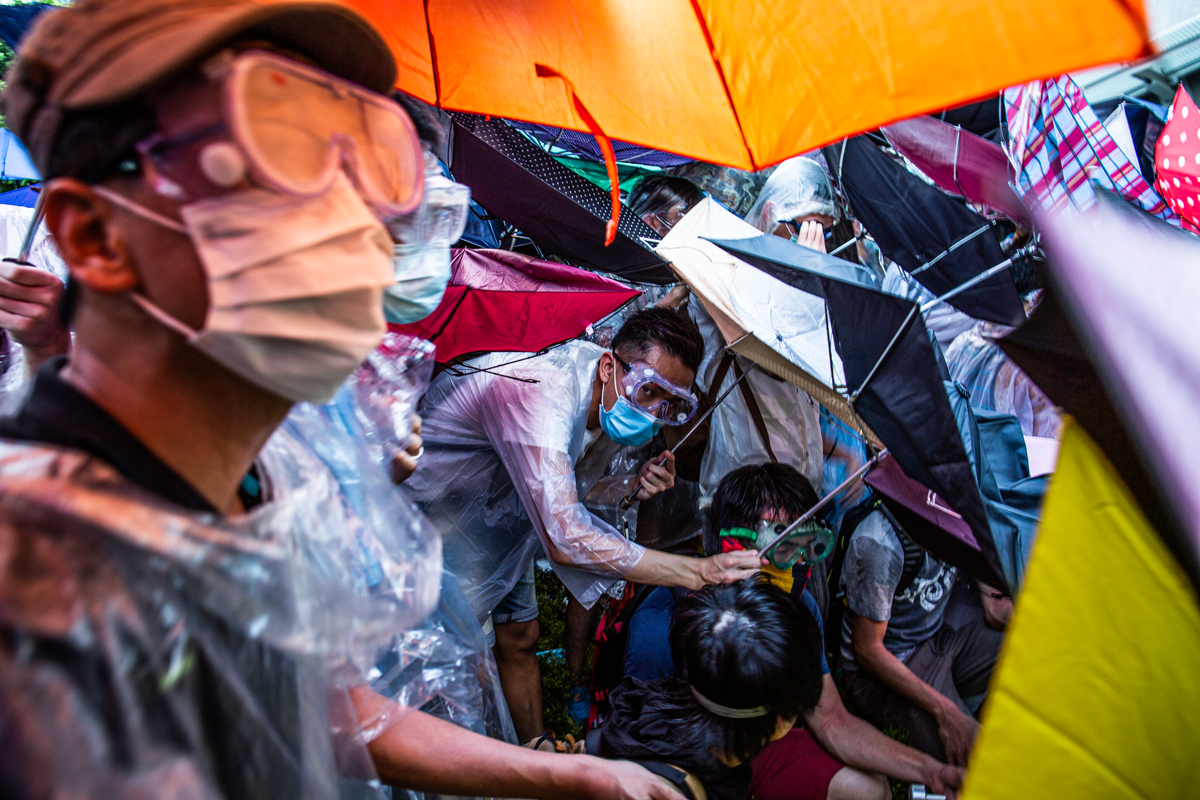14.09.28 - Hong Kong: Protestors outside the government's headquarters in Admiralty have taken over Harcourt Rd.