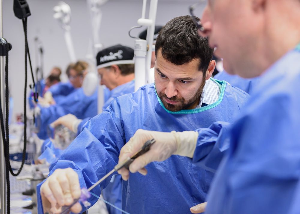 helping-surgeons-treat-their-patients-better (1).jpg