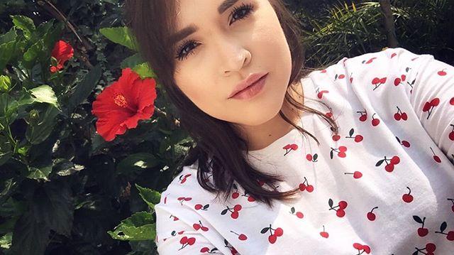 Chasing the sun ... ☀️ • • • • #sundayfunday #sundaymakeup #selfie #makeup #makeupselfie #makeupjunkie #makeupartist #yslfoundation  #lancomemonsieurbig #sunlight #digitalartist #filmmaker #ooftd #mexico #mexicocity #sounddesigner #filmmaker #classicmakeuplook #soundmixer #morphepalette #womeninfilm #womeninsound