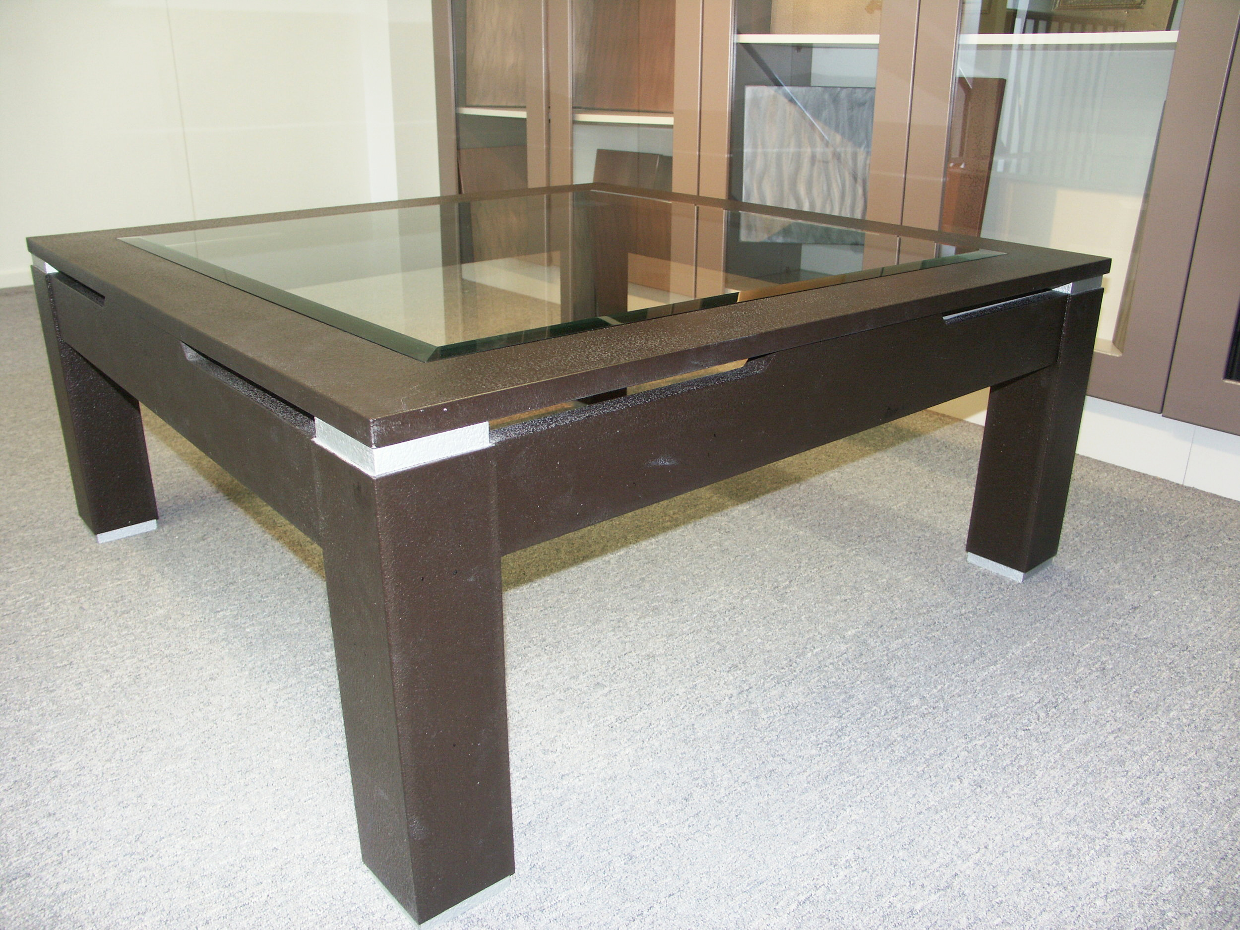 liqmet-bronze-coffer-table