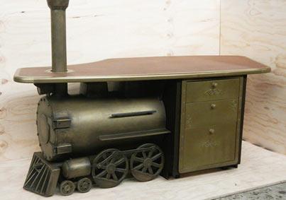brass-steamtrain-LIQMET.jpg