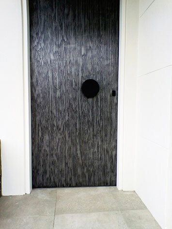liqmet-iron-sublime-door.jpg