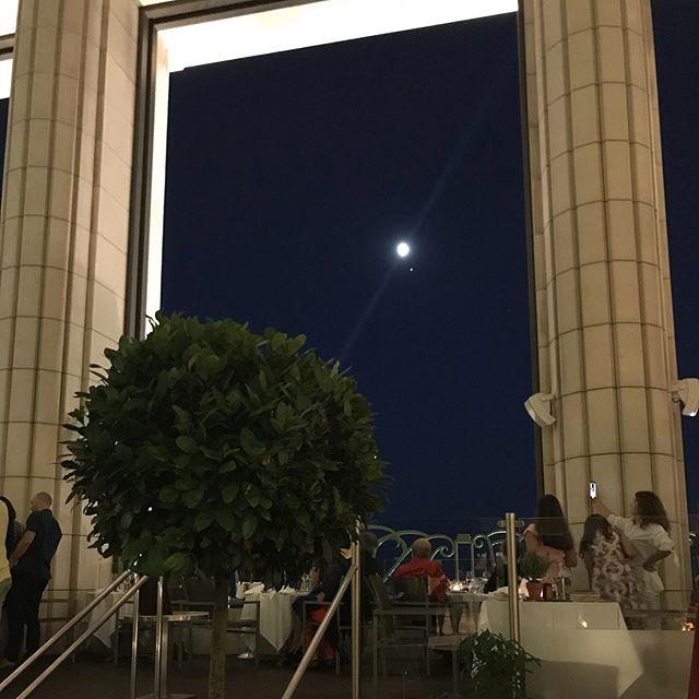 Au clair de la lune #hyattregencypalaismed #food #restaurant @le3e.nice