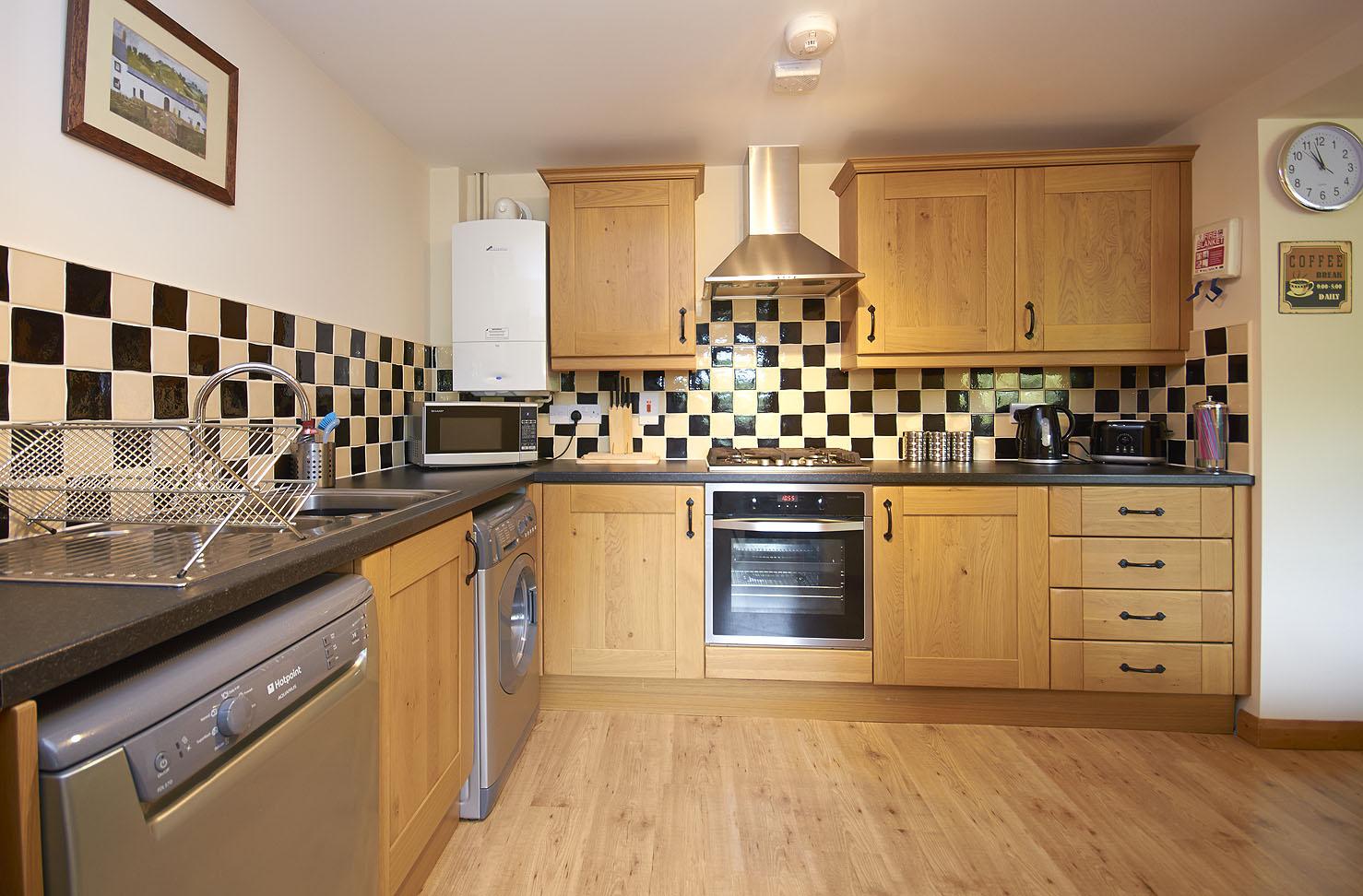 C1 kitchen b.jpg