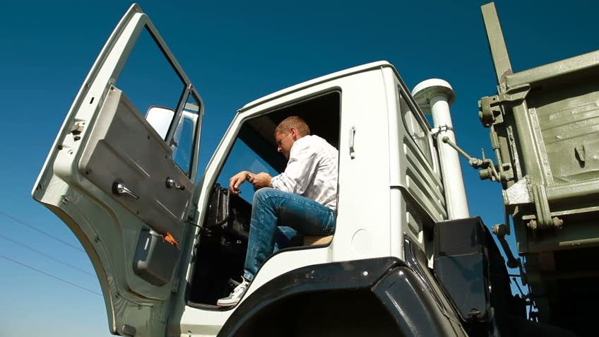 - The demand for Professional CDL Truck Driver remains at an all time high. The question is, how are you standing out from your competitors? In a driver's job market, it is critical to have a strategic media mix to target and engage with Professional Truck Drivers.-Define your ideal driver-Target drivers in specific geographic locations based off your hiring criteria-Increase your driver leads and overall retention.