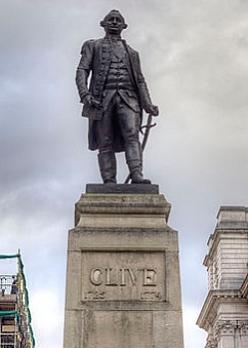John Tweed, Robert Clive, 1st Baron Clive, unveiled 1912, bronze, King Charles Street, Whitehall, London (photo: © Prioryman, Creative Commons)