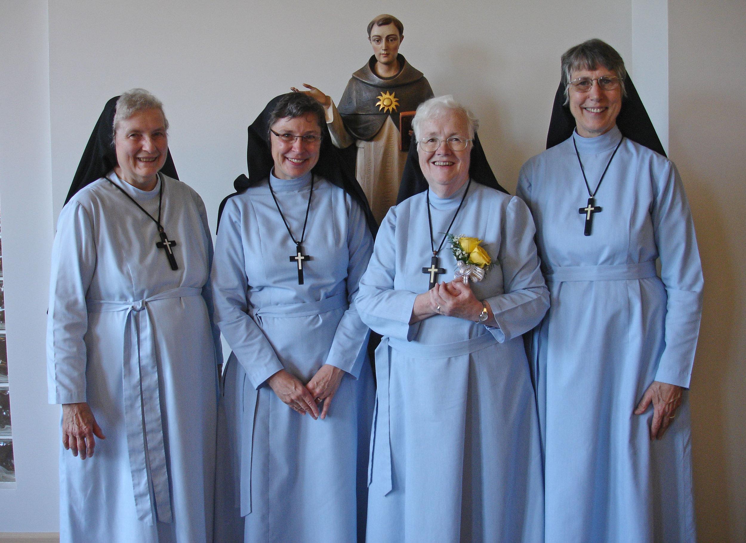 denver sisters 2008_croped.jpg