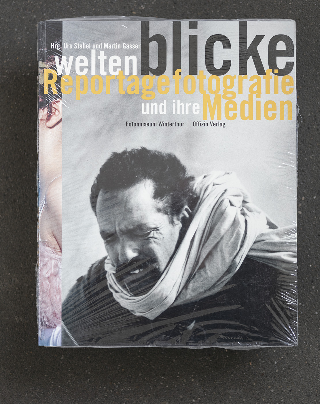 Weltenblicke, exhibition catalogue