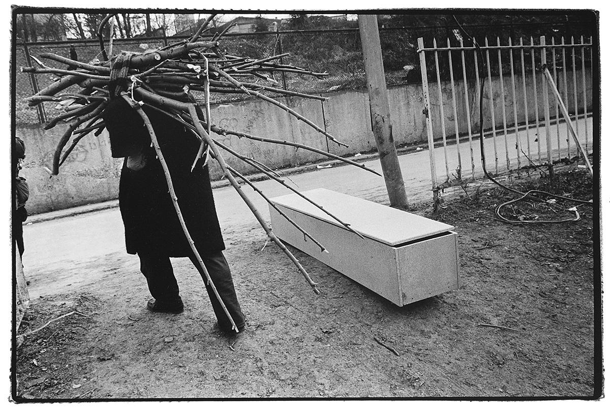 sarajevo-bosnia-wood-coffin-war.jpg