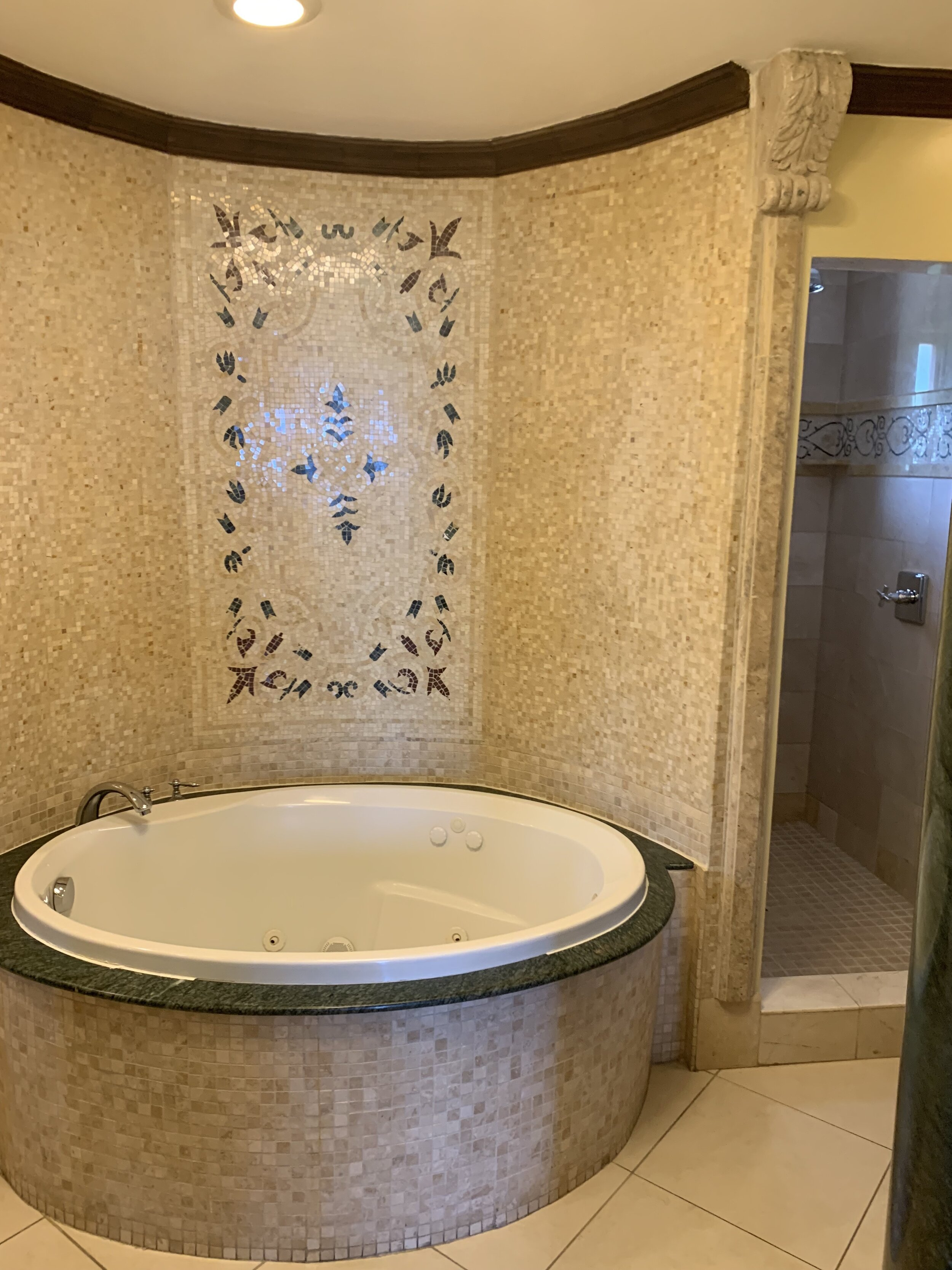 Bath in Romeo & Juliet Suite