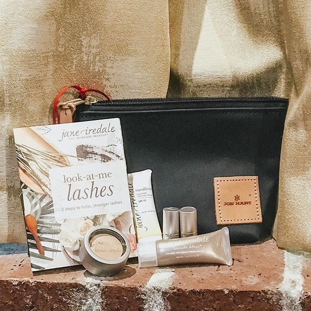 Today's the day! 🤩✨ Our Sip, Shop, & Botox takes place TODAY 11AM-6PM! We can't wait to host you to a day full of pampering & beauty! 🙌 Oh and did we mention GIVEAWAYS?! This @janeiredale set will be up for grabs—You don't want to miss it! See you there!