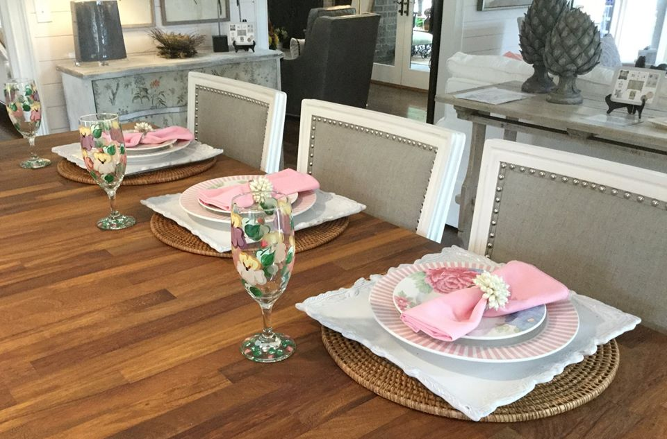 Alzheimer's Showcase Place Setting in Grey and Pink