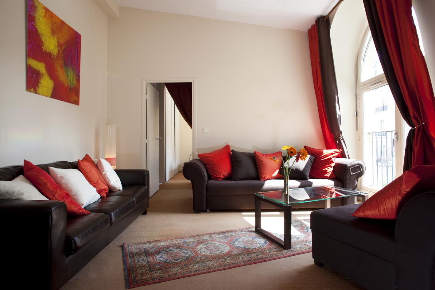 52Clichy-Apartment-living-room.jpg