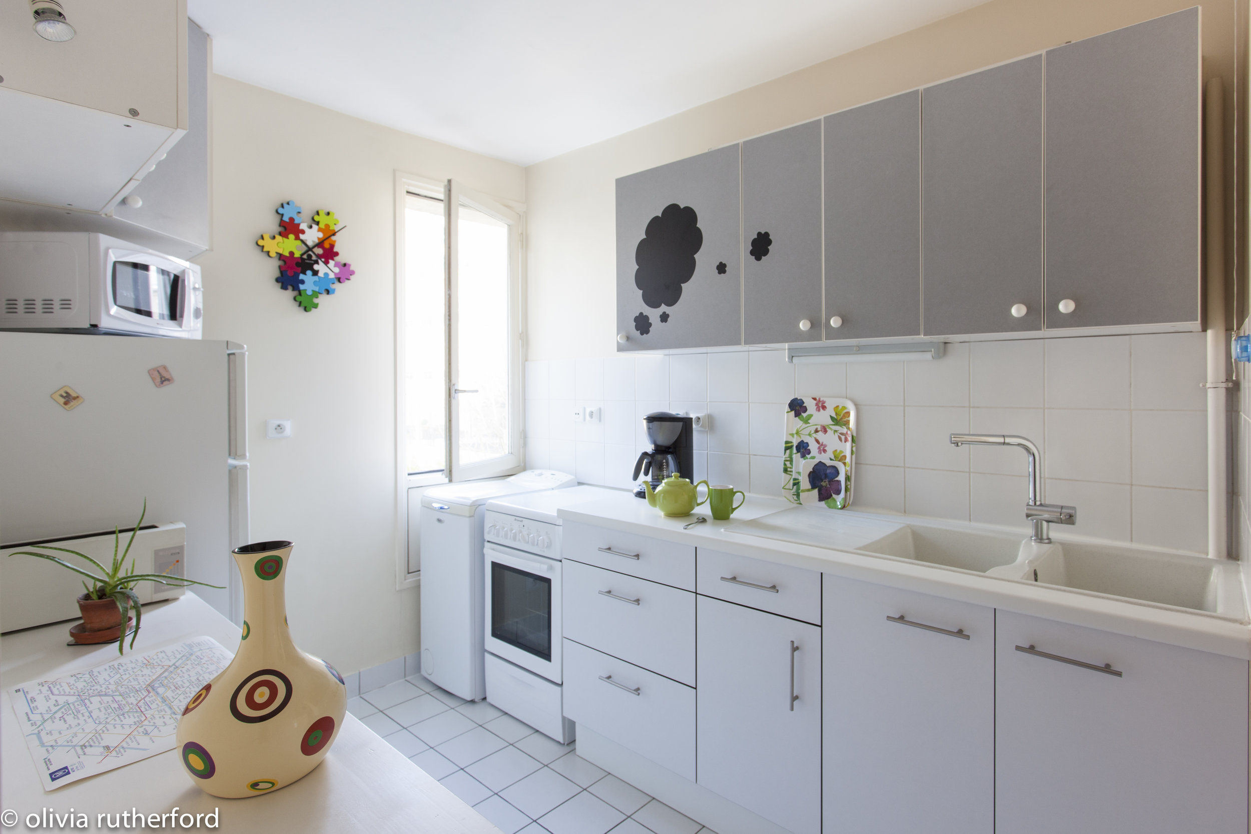 52Clichy-Apartment-kitchen.jpg
